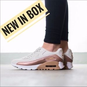 NEW NWT Nike Air Max 90 Ultra Premium Sneaker